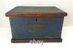1800s Small Wood Notary Pine Box Trunk Chest With Primitive Carving From Québec