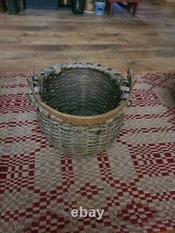 Antique AAFA Taconic Shaker Basket with handle from Pleasant Hill Ky