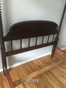 Antique Bedroom Furniture Set From Cavalier Furniture Co. Circa 1930-40s
