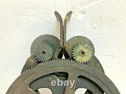 Antique Hand Crank Sharpener From The Universal Sharpening Co In Chicago, IL
