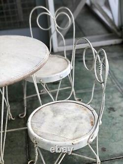 Childs VINTAGE ICE CREAM PARLOR Table + 4 Chairs, From Drug Store Soda Fountain