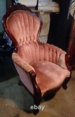 Kimball Reproduction Victorian Kings chair of Honduras mahogany wood from Italy